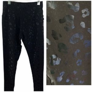 Vigoss Performance Black Leopard Print Legging NWT